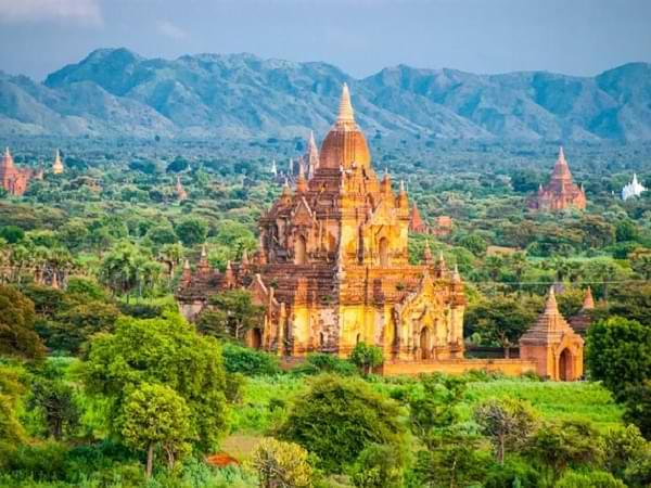 Myanmar, Birmania - Vista de las pagodas