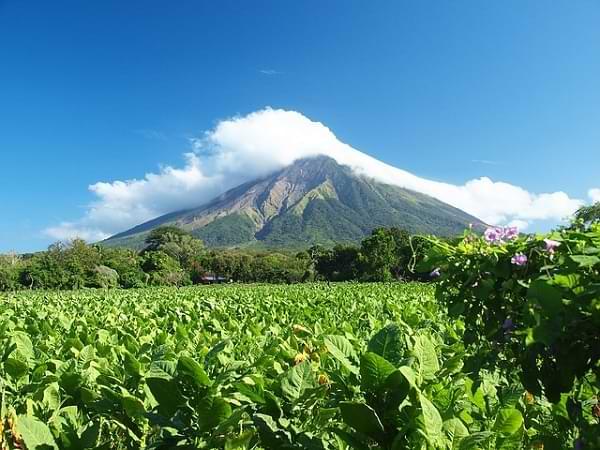 Nicaragua - Vista del volcán Concepción