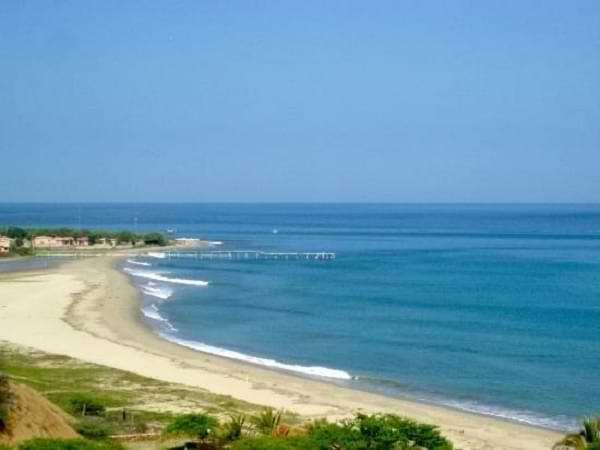 Playa Punta Cocos en Máncora Perú
